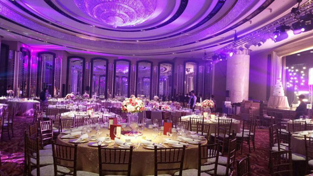 When a celebrity fashion stylist holds a luxurious ballroom emily and jackie wedding venue grand hyatt hong kong 2 junglespirit Images