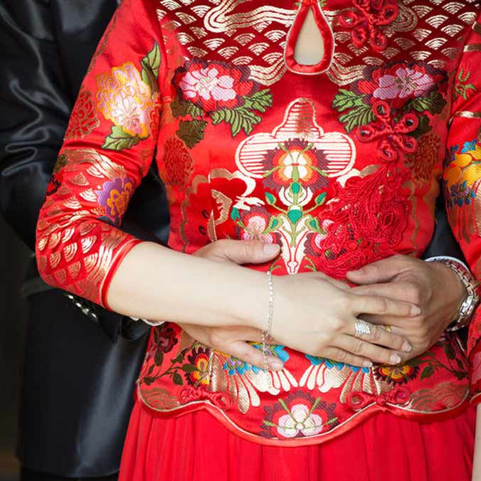 Can You Have a Chinese New Year Wedding? Here's 5 Pros and Cons