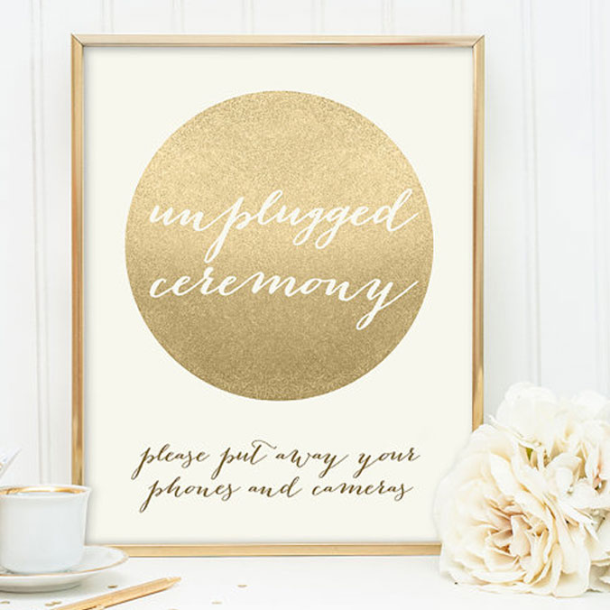 Unplugged Wedding, Anyone? We Lay Out 10 Pros & Cons