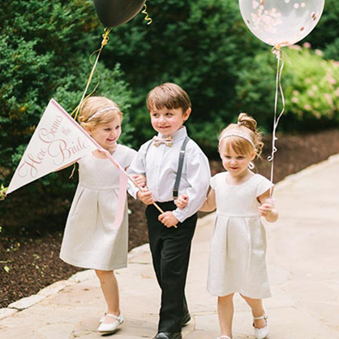7 Ways to Host a Smooth Child-Friendly Wedding