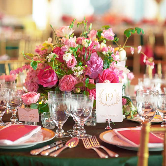 Buffet vs. Sit Down Dinner: Which is Best for your Wedding?