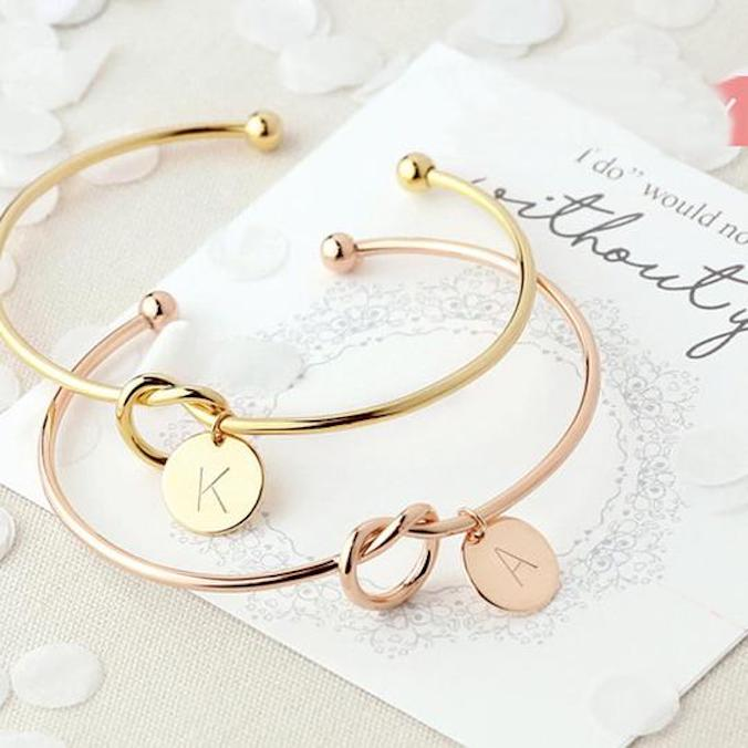 7 Bridesmaids Jewelry Gift Ideas That Are Unique, Practical, and Very Affordable