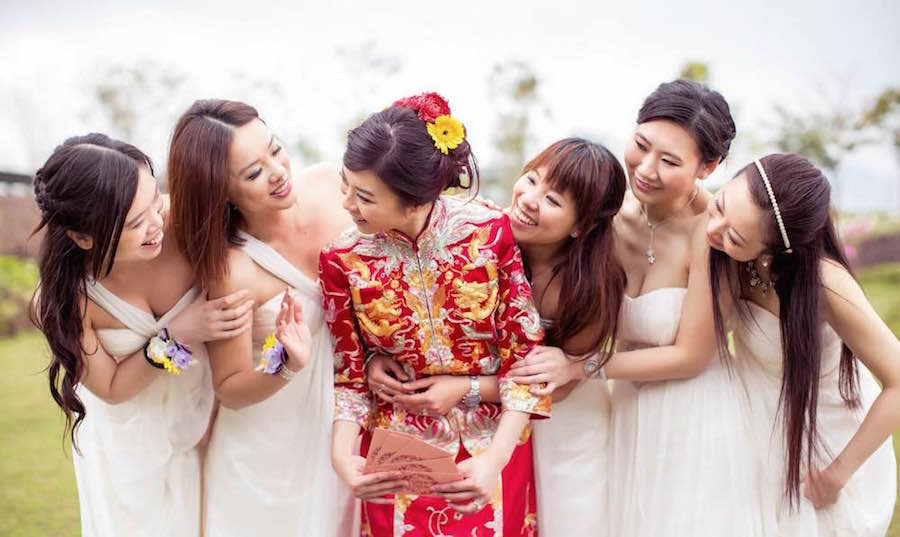 Should i hire a separate set of wedding photographers for for Traditional chinese wedding dress hong kong