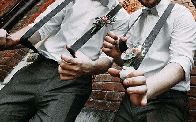 When is it Okay for Your Groomsmen to Flirt with Bridesmaids Here are 7 Scenarios 1