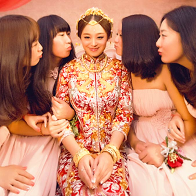 How much money should you put in a red packet here are 10 for Traditional chinese wedding dress hong kong