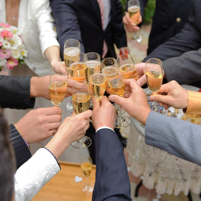 21 Topics Your Groomsmen Can Talk About When Chatting with Wedding Guests
