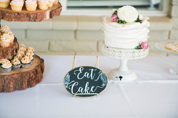 wedding cake sign details that wow