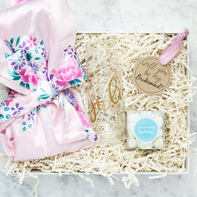 "25 (Shoppable) Things to Put in a ""Will You Be My Bridesmaid?"" Gift Set Kit - Works for Both DIY or PreMade Bridesmaid Proposal Boxes"