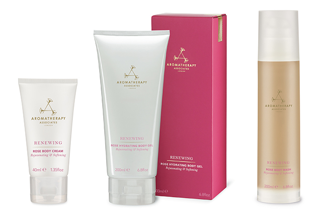 Vera Wang Aromatherapy Associates Collaboration Rose Romance Renewing Body Gift Set 1