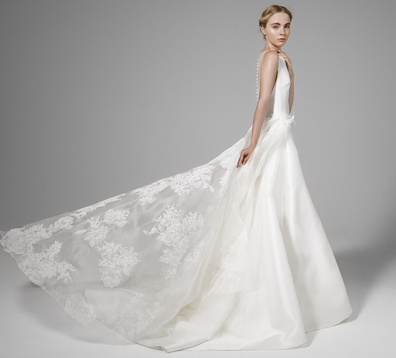 Wedding Dress Photos Whether you're looking for lace or satin, floor-length or short, off-the-shoulder or strapless, WeddingWire has more than 8, wedding dresses to choose from. You can search for styles in every silhouette, including mermaid, ball gown, A-line and more.