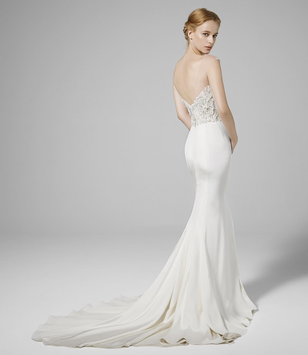 Which Wedding Dress Train Fits You Best Learn About The 6 Different Types Here