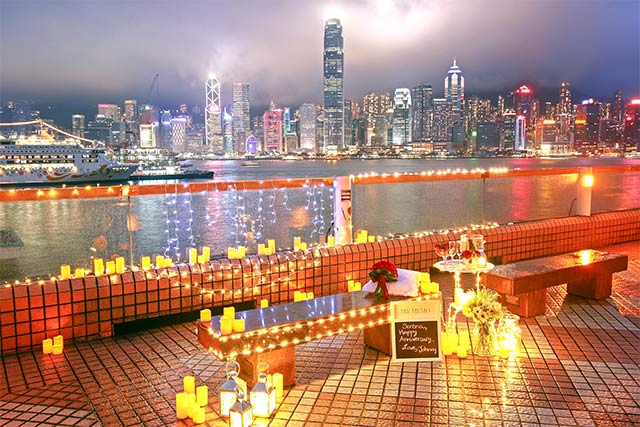 Johnny and Serena Proposal at Hong Kong Victoria Harbour 1