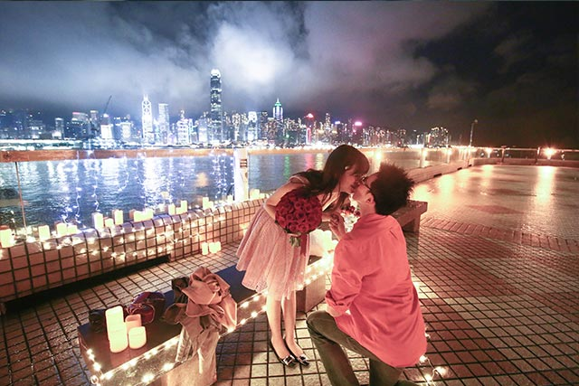Johnny and Serena Proposal at Hong Kong Victoria Harbour 3