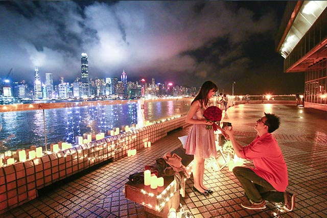 Johnny and Serena Proposal at Hong Kong Victoria Harbour 4