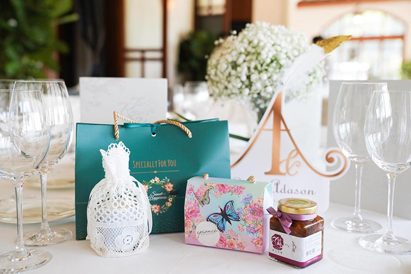 ava liu adason lo hong kong verandah repulse bay outdoor wedding gifts favors 2