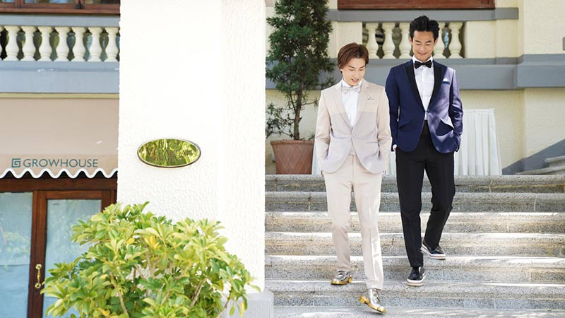 ava liu adason lo hong kong verandah repulse bay outdoor wedding groom suit 1