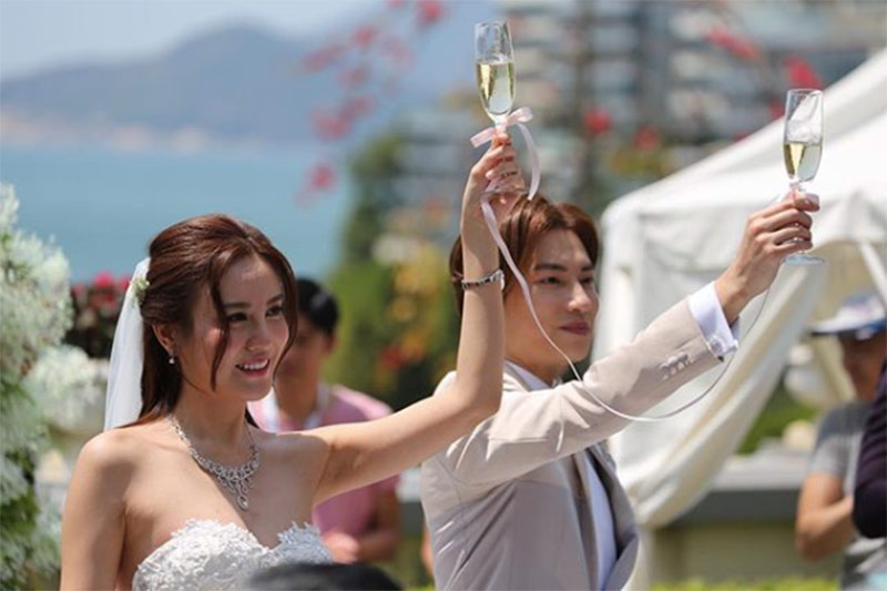 ava liu adason lo hong kong verandah repulse bay outdoor wedding venue 12