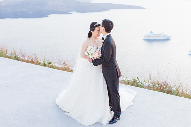 Luna Kevin Santorini Wedding Bride Groom Photographer Roberta Facchini 11