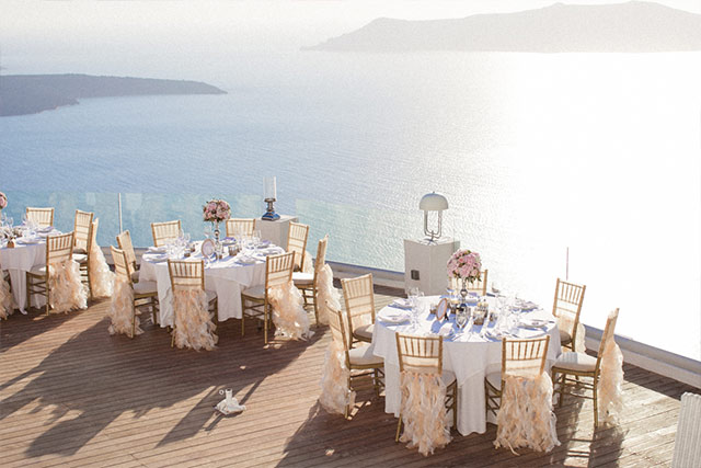 Luna Kevin Santorini Wedding Decoration Photographer Roberta Facchini 1