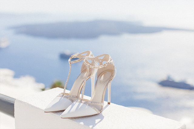 Luna Kevin Santorini Wedding Shoes Rene Caovilla Photographer Roberta Facchini 2
