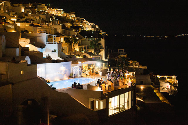 Luna Kevin Santorini Wedding Venue Sun Rocks Hotel Photographer Roberta Facchini 5