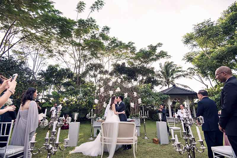 hong kong civil ceremony langham court philippines tagaytay garden wedding jill stuart vera wang benjie tiongco 29