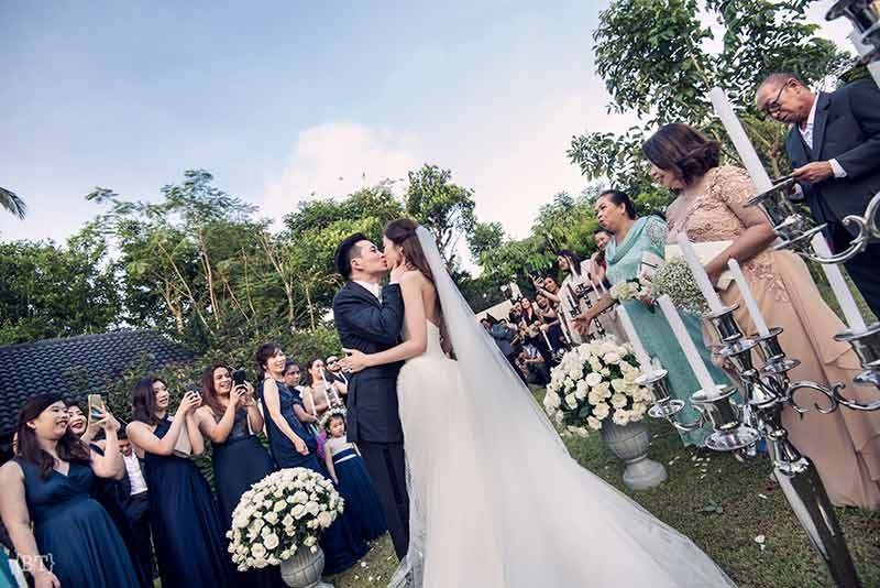hong kong civil ceremony langham court philippines tagaytay garden wedding jill stuart vera wang benjie tiongco 32