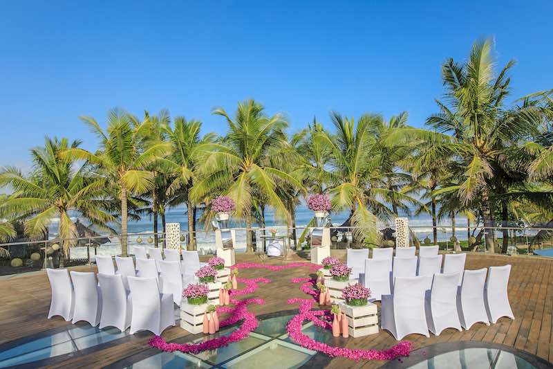 bali wedding venues unique on water beach lawn 10