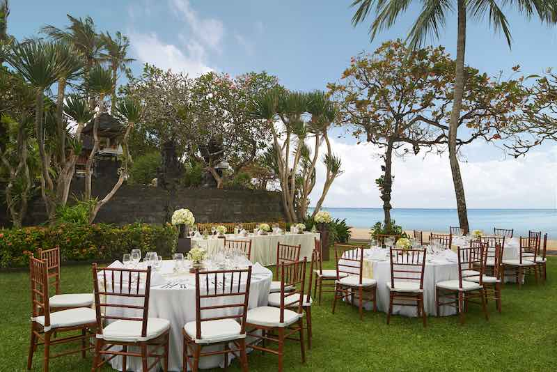 bali wedding venues unique on water beach lawn 13