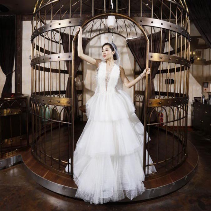 Celebrity Wedding Photography Inspiration: Lynn Hung & Ken Kwok at Studio City, Macau
