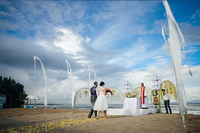 Things to Consider Before Booking your Destination Wedding Venue Grand Aston Bali Beach Resort 2