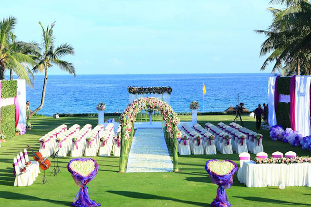 Things to Consider Before Booking your Destination Wedding Venue Sheraton Sanya Resort 1