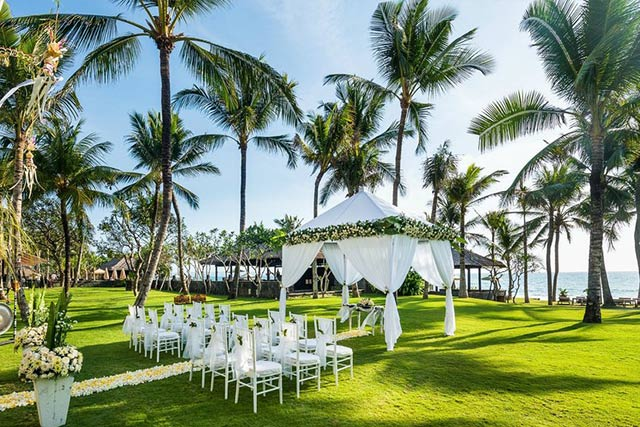Things To Consider Before Booking Your Destination Wedding Venue The Legian Bali 1