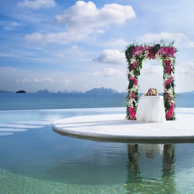 9 Crucial Things You'll Want to Know Before Paying the Deposit For a Destination Wedding