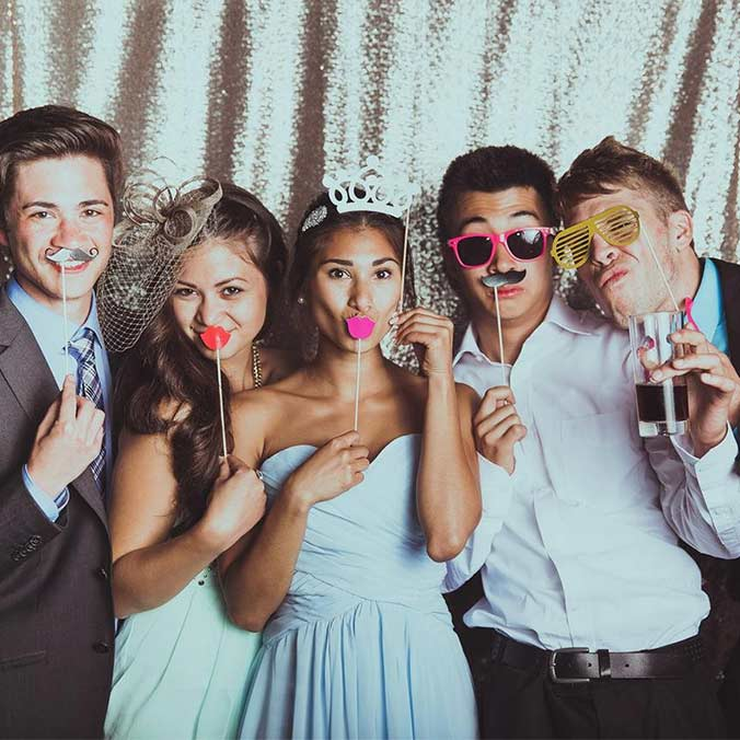 13 Unconventional Wedding Entertainment Ideas to Make Your Wedding Memorable