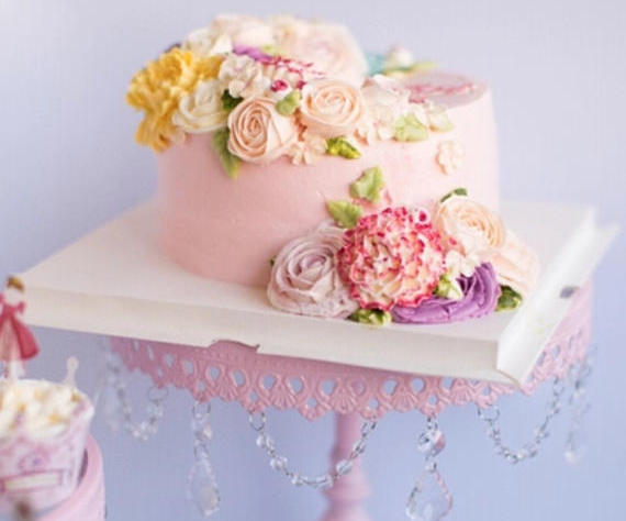 2018 wedding trends style decor flower cake 1