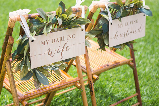 10 boho chic wedding ideas youll love for your bohemian wedding bohemian wedding boho style wedding signs junglespirit Choice Image