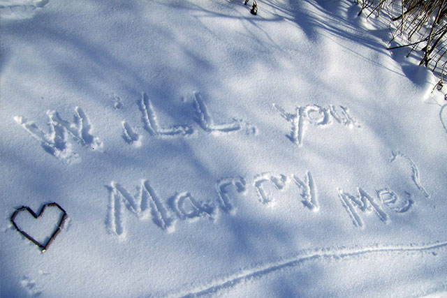 Super Creative Christmas Proposal Ideas 10