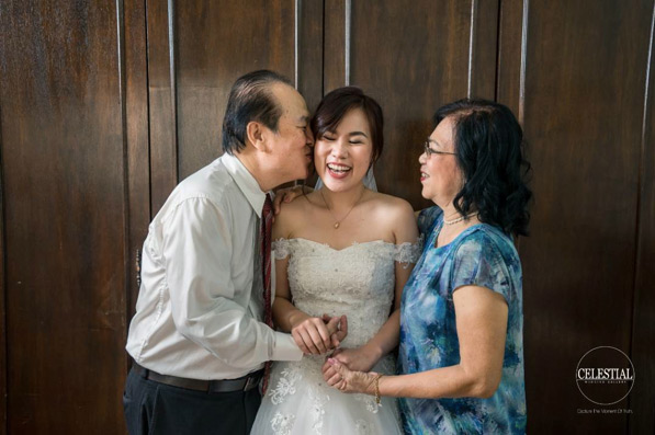 Father and Bride Touching Wedding Moment Photos 8