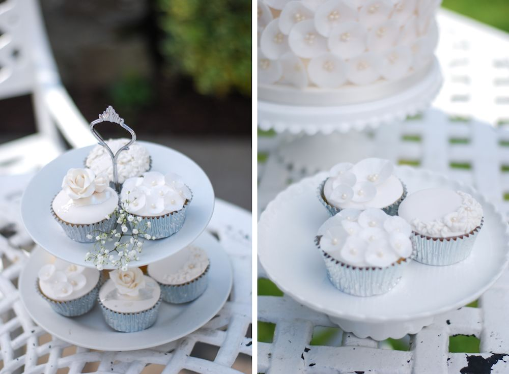 Smaller Wedding Cakes a Dessert Trend You Dont Want to Miss