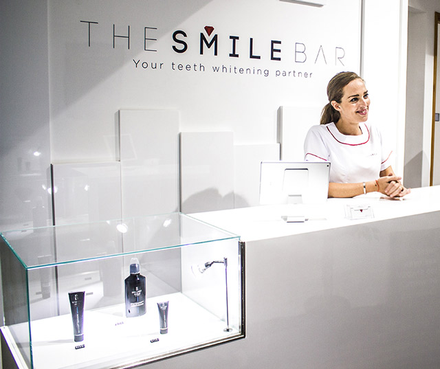 Teeth Whitening Smile Bar 4