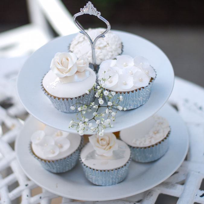 Smaller Wedding Cakes, a Dessert Trend You Don't Want to Miss!