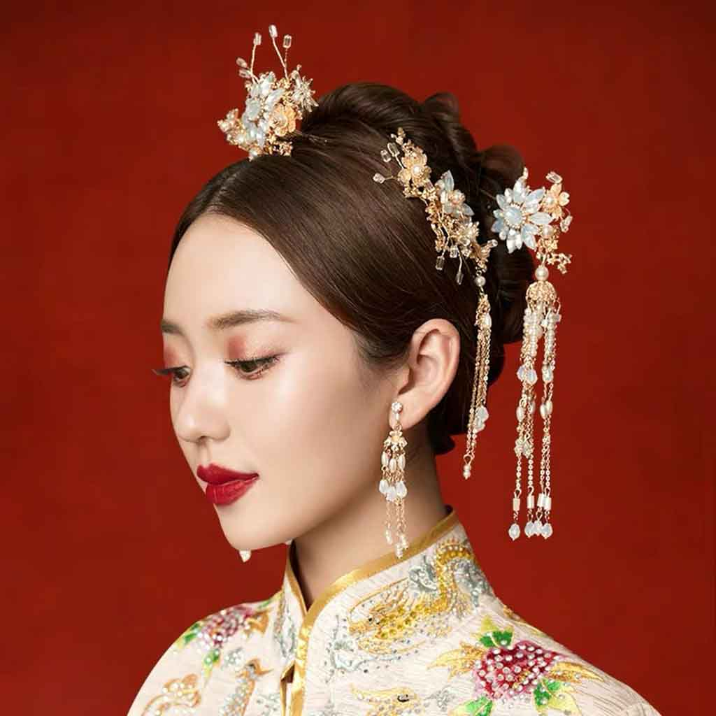 Chinese Gold Wedding Hairpiece For Cheongsam/Ao Dai/Qipao/Kua 旗袍/奧黛/龍鳳卦/秀禾服 Designed With Flower And