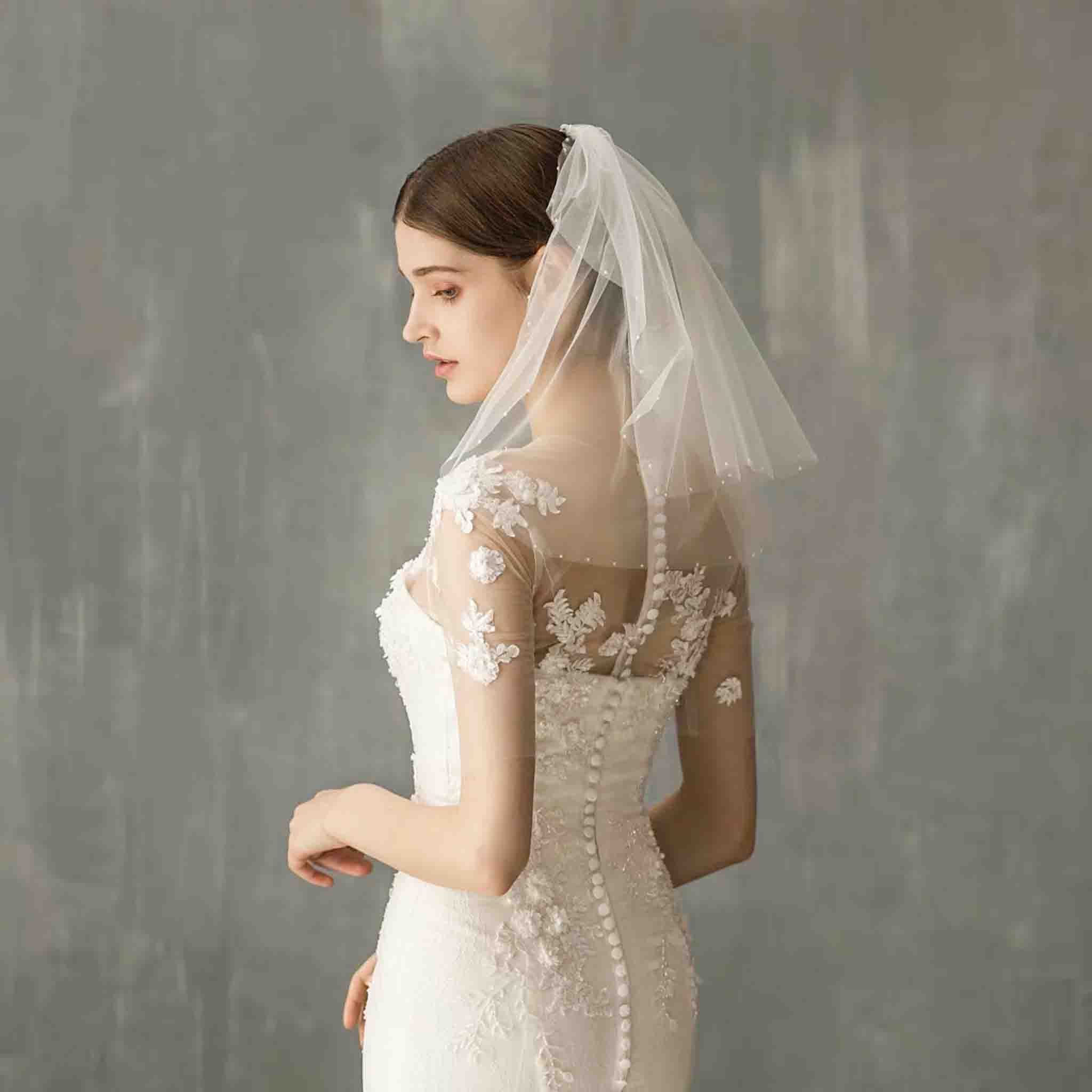 Short Wedding Bridal Veil with Small Pearl Edge