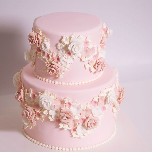 2-tiered Fondant-Covered Cake for 30 guests