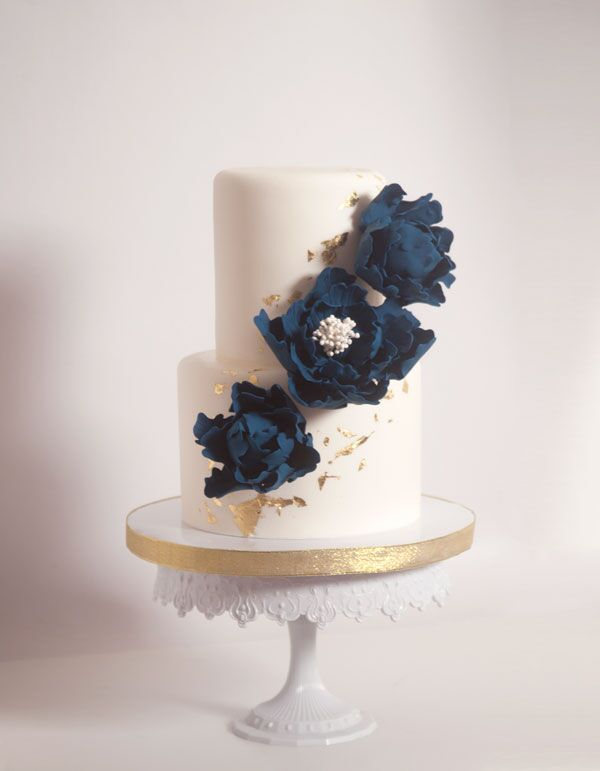 2 or 3-tiered Fondant-Covered Cake for 35 guests