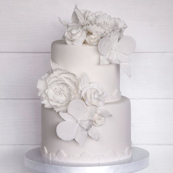 3-tiered Fondant-Covered Cake for 65-70 guests