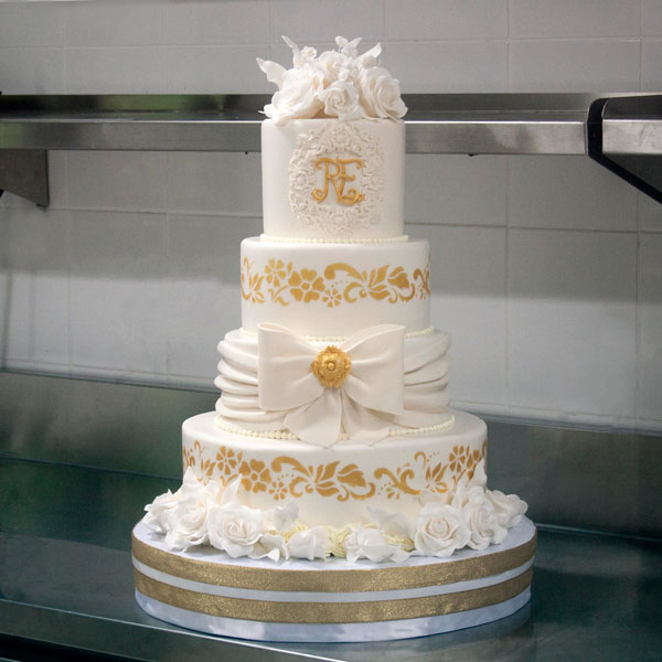 3-tiered Fondant-Covered Cake for 60 guests-4