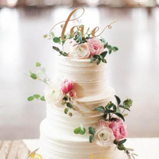 3 Layer Buttercream Real Wedding Cake 4″ + 6″ + 8″ Edible for Approximately 30 Guests