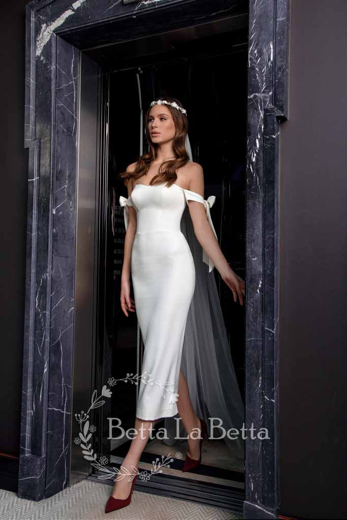 [RENT OR BUY] 'Bonnie' Slim Fit Off Shoulder Bow Sleeve Bridal Wedding Dress